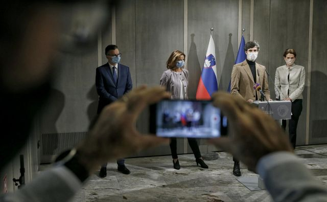 Izhodišče za povezovanje je pobuda Koalicija ustavnega loka, ki jo je nanje naslovil ekonomist Jože P. Damijan. FOTO: Blaž Samec/Delo