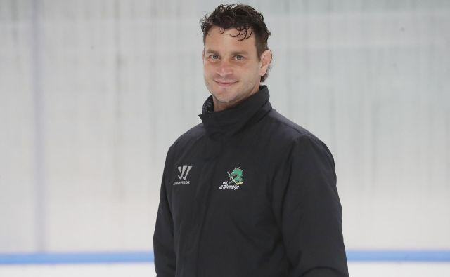 Gregor Polončič je vsekakor med najboljšimi poznavalci hokejske igre v novem slovenskem trenerskem valu. FOTO: Leon Vidic/Delo