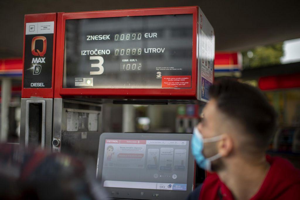 Trgovci prvič po deregulaciji spremenili cene goriv