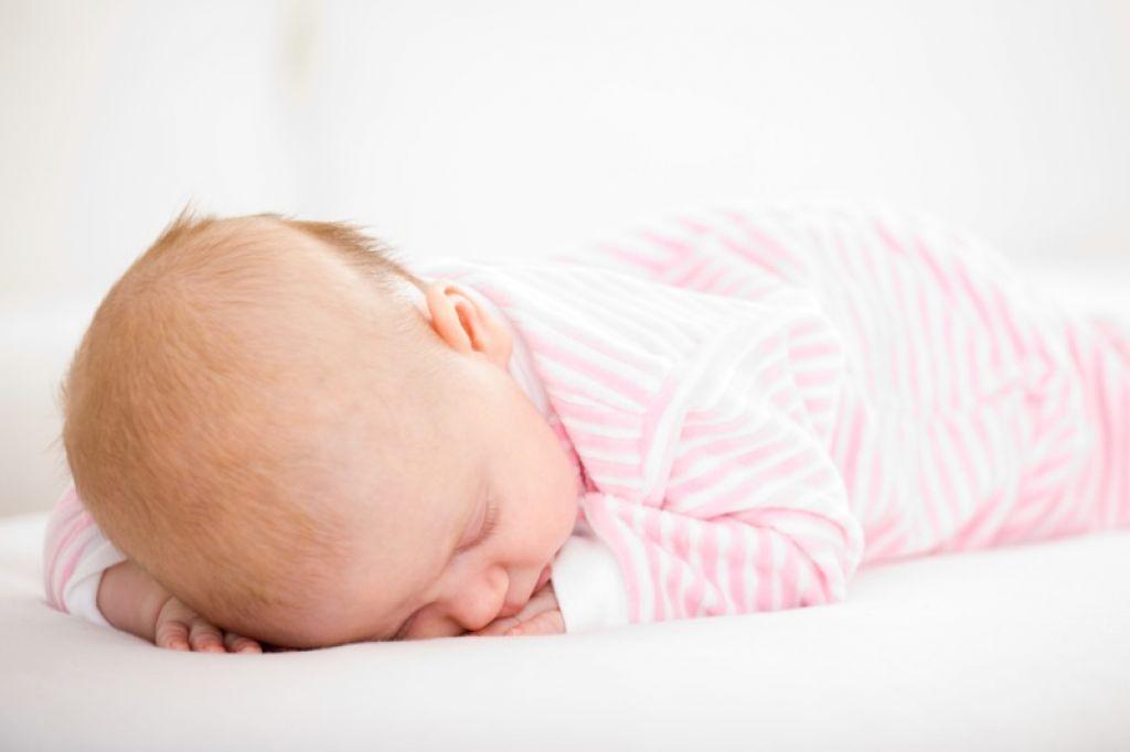 Smrt desetmesečnega dojenčka zaradi podhranjenosti?