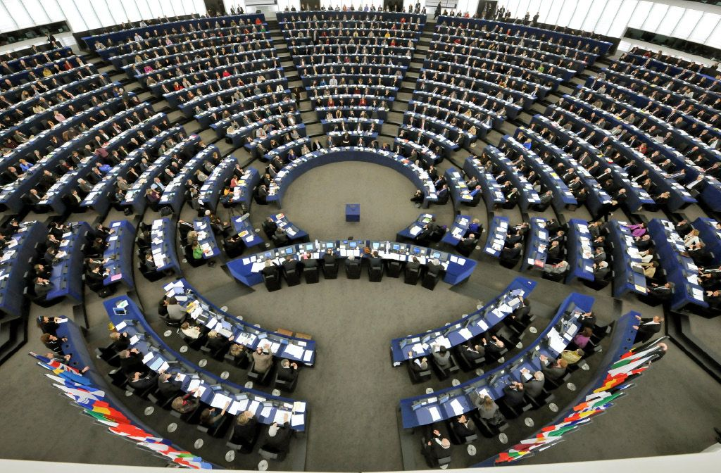 Evropski parlament za zaostritev pravil glede prodaje na kratko