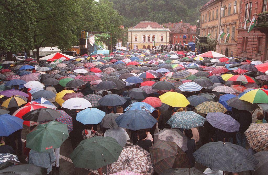 Slovenija v začetku leta s 2.050.189 prebivalci