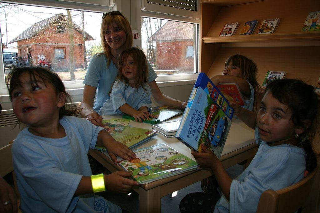 Vrtec kot temelj romske osnovnošolske izobrazbe