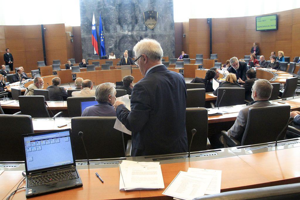 Potrjeno: referendum o pokojninski reformi bo 5. junija