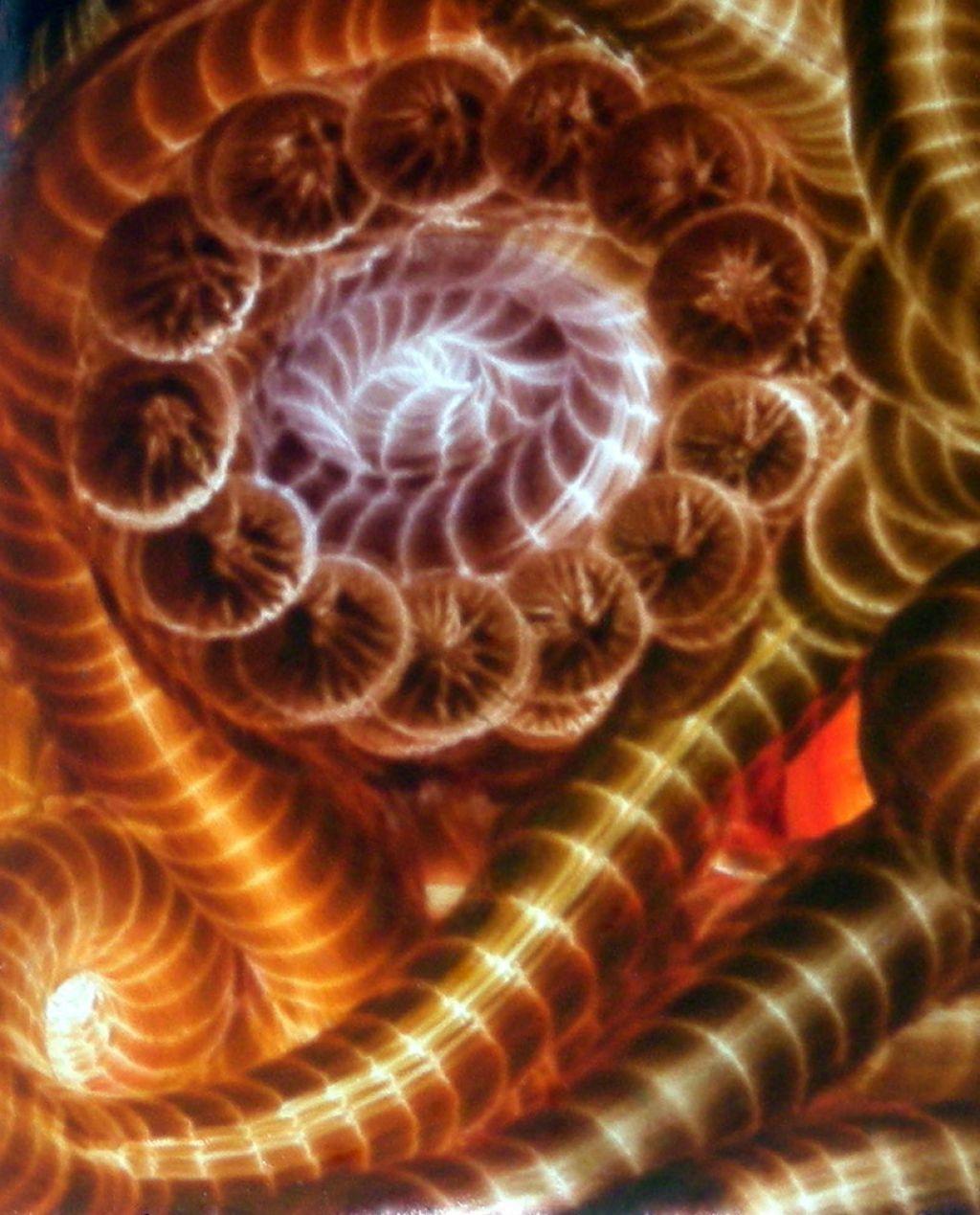 V galeriji Kibela drevi otvoritev razstave 3π Multiverse