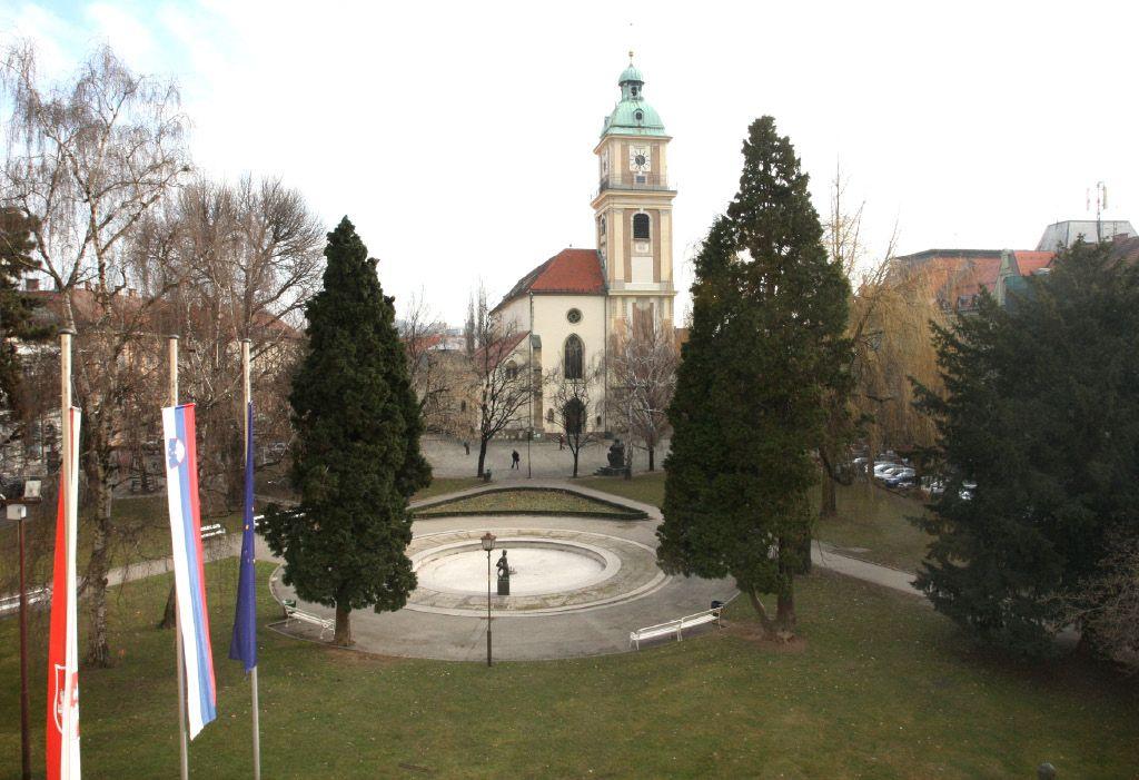 Mestni trgi v Mariboru bodo ostali še v stari podobi