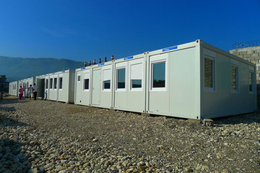 Slovenska šola na Haitiju čaka na 200 učencev