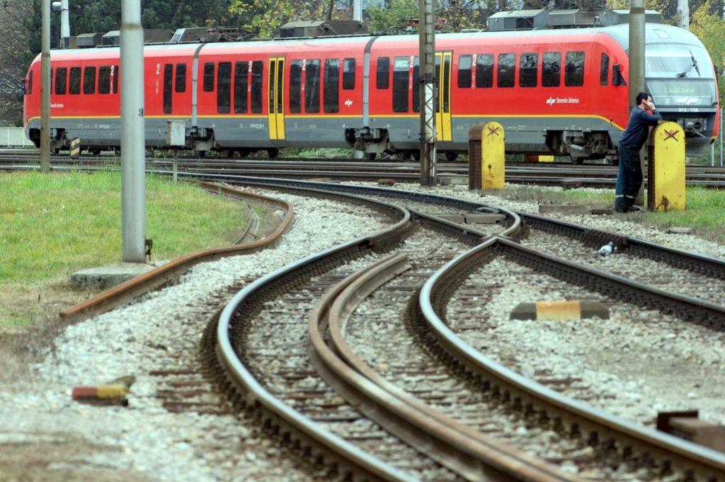 Na Osemurno Voznjo Z Vlakom V Budimpesto Spet Cez Hodos