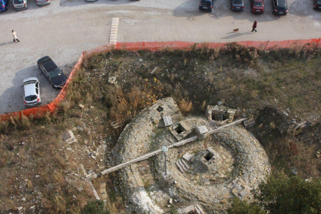 Koprsko vodno cisterno lahko zrušijo