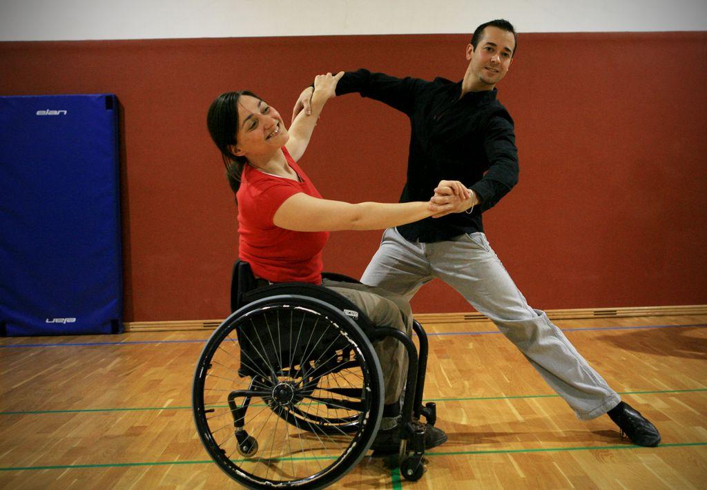 Plesalci na invalidskih vozičkih