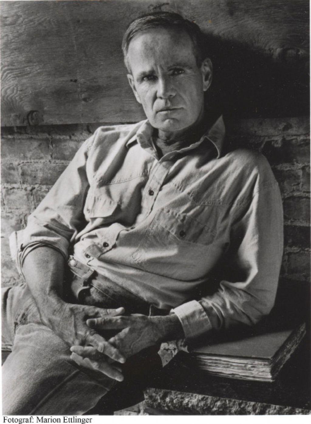 Krvavi poldnevnik: ultimativni vestern in njegov pisatelj