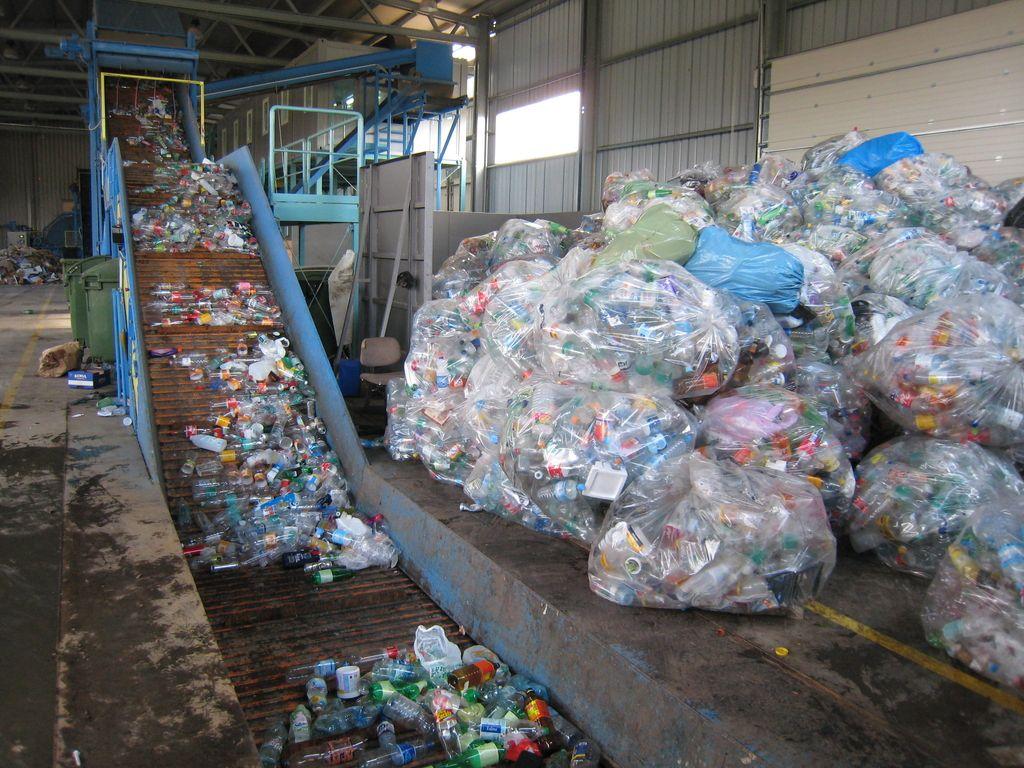 Plastika je lahko tudi bio – toda kako in kdaj?