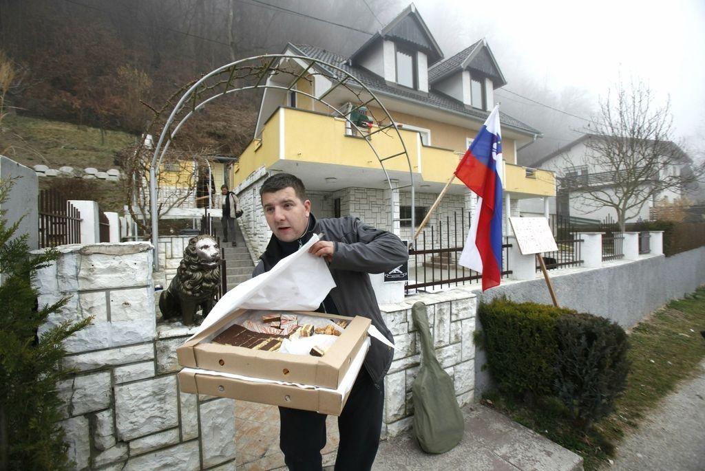 Primer Vaskrsić: pridržane protestnike že izpustili