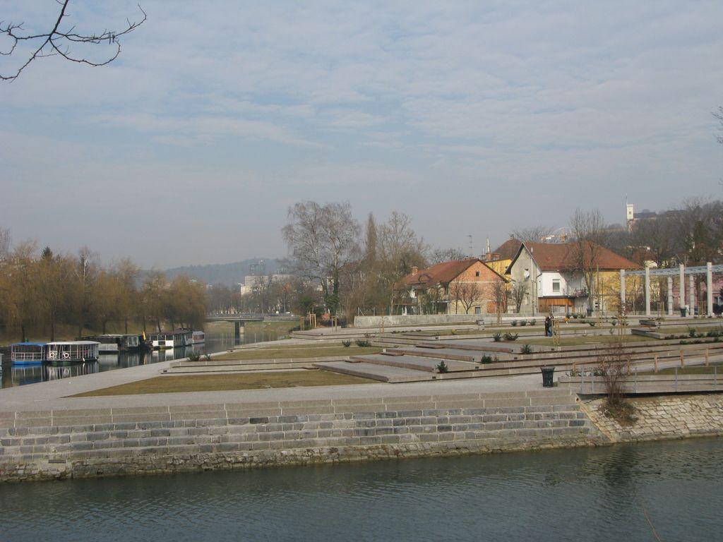 V rekreacijskem parku na Špici še koliščarski muzej?