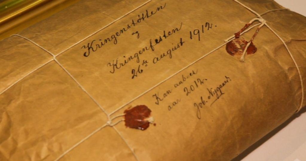 Razkrita stoletna skrivnost paketa