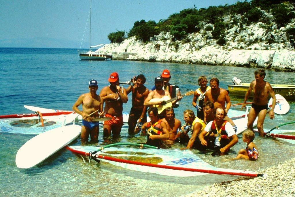 Legendarni Teleksov surferski maraton tudi na filmu