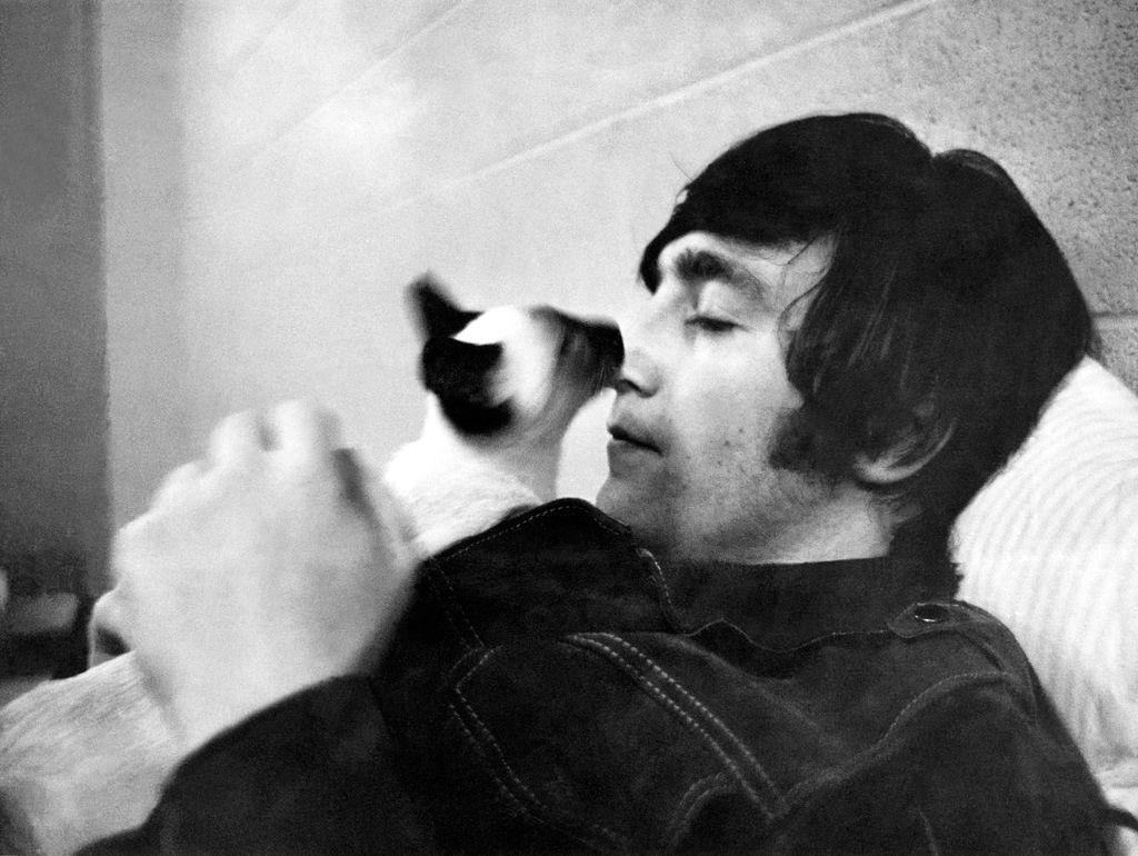 Komu je pisal John Lennon?