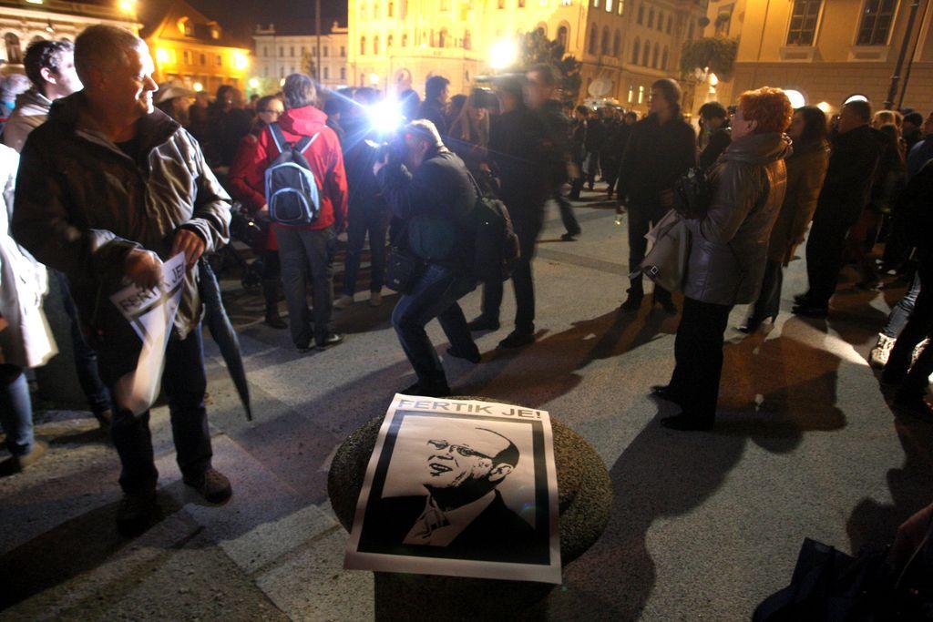 Fertik je v Ljubljani: »Tik, tak« (v živo)