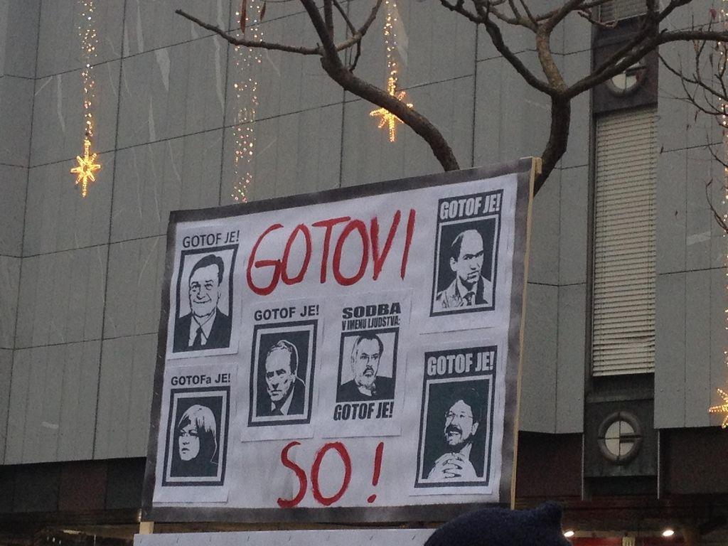 Protesti proti oblasti: Ljubljana v živo