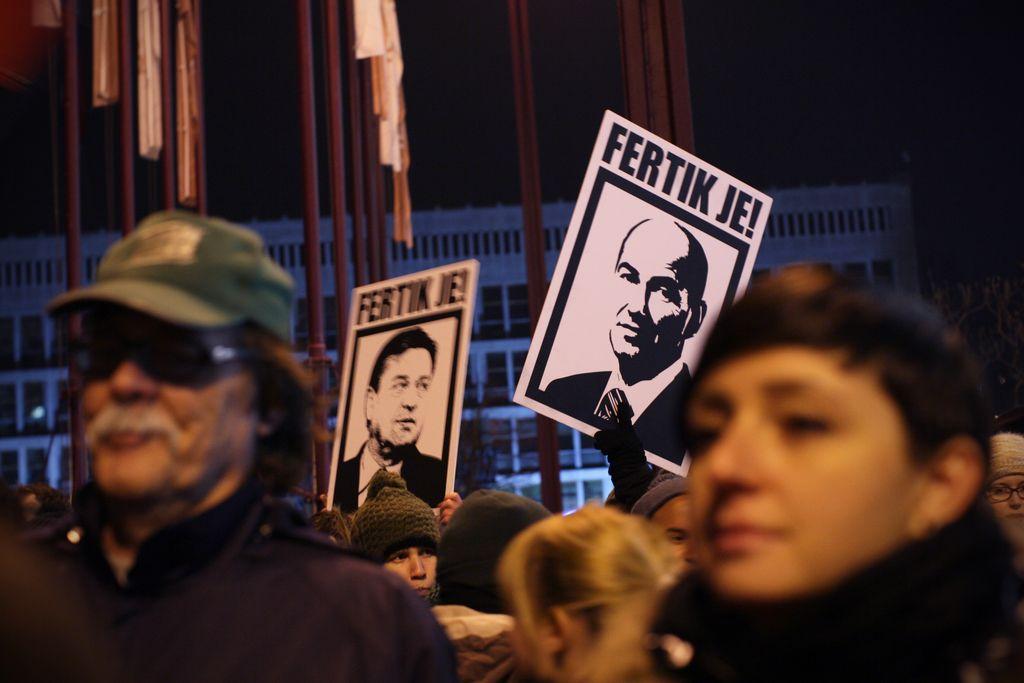 Politbarometer: Janševi vladi le še 16-odstotna podpora