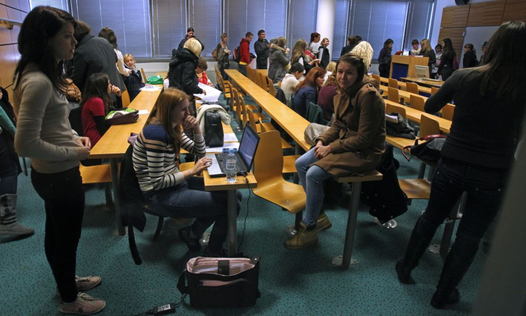 Na visokih strokovnih šolah obvezno kadri z izkušnjami v neakademski sferi