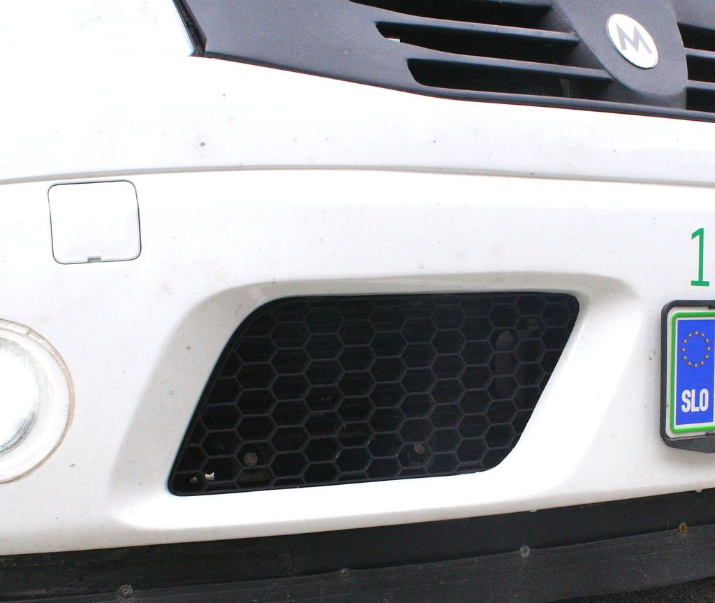Kako je gorenjska električna dacia sandero premagala ameriški tesla roadster