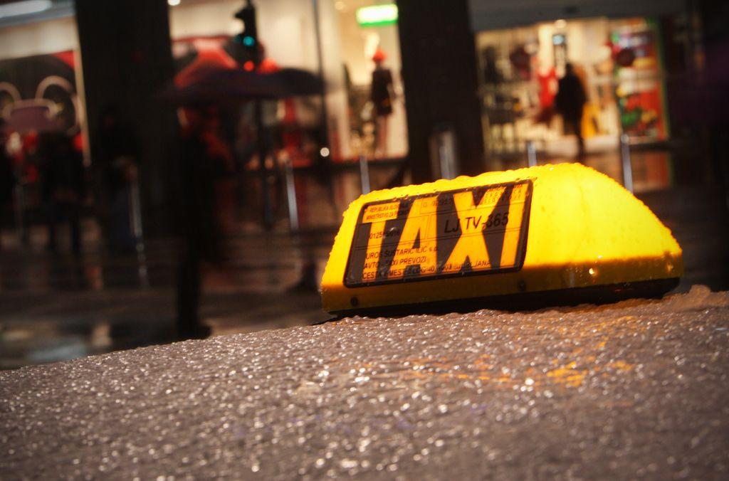 Odlok o avtotaksi prevozih v veljavi