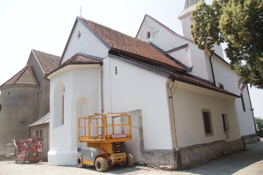 Cerkvica v Turnišču čaka na odločitev inšpektorjev