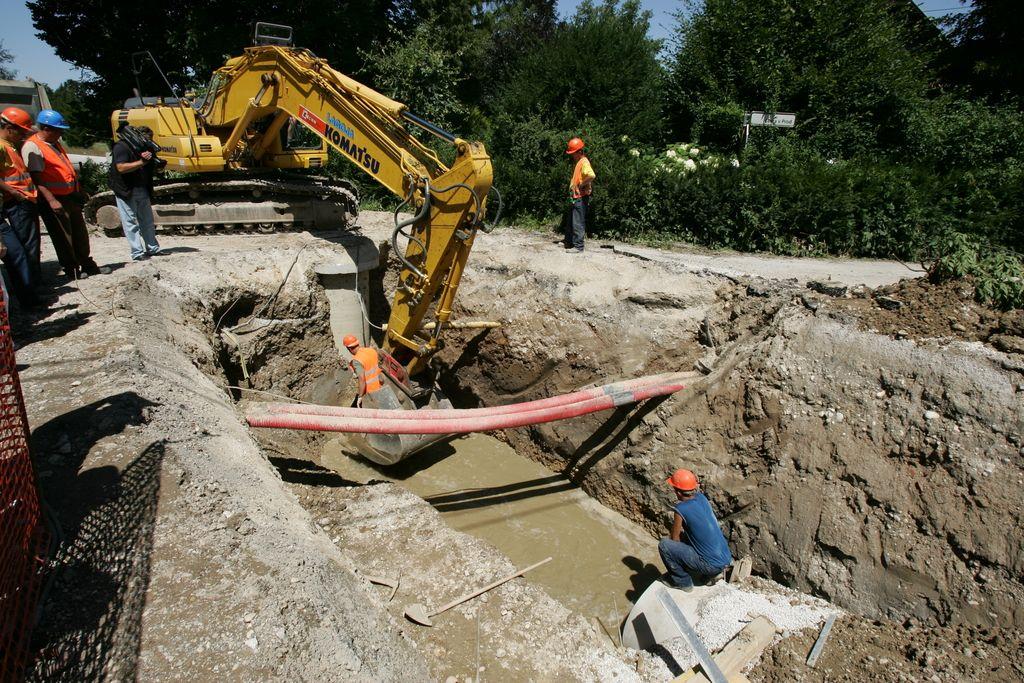 Kanalizacija v Ljubljani, Medvodah in Vodicah: razpis ponovljen, ponudbi dražji