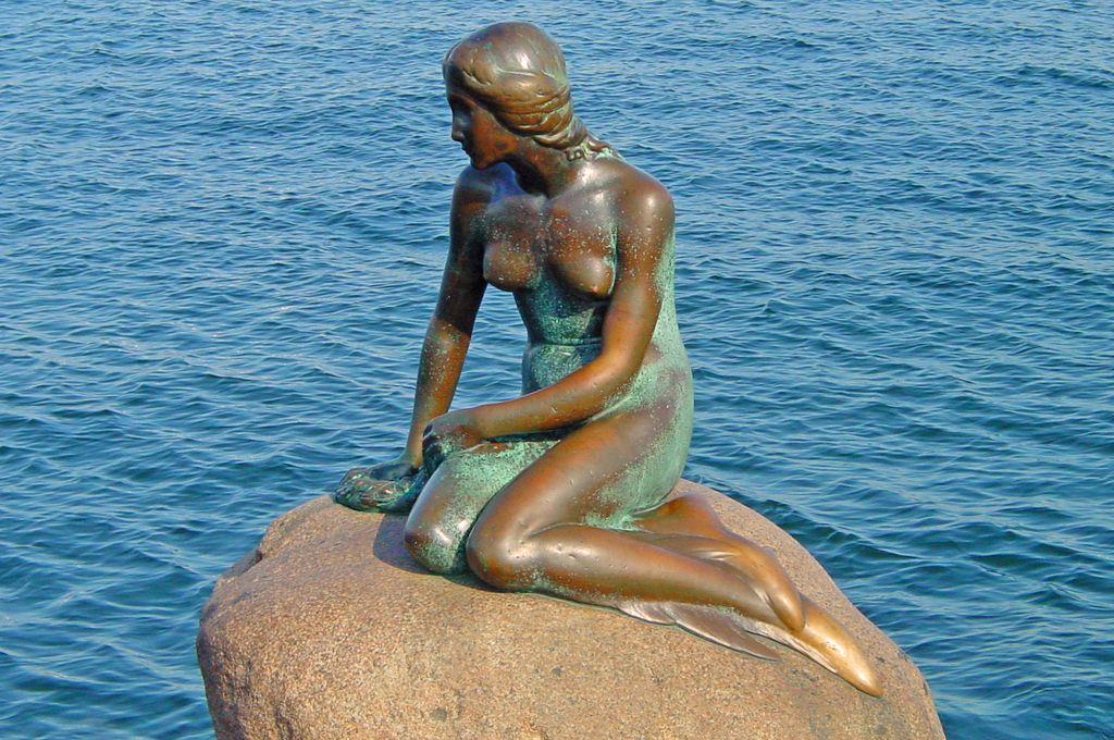Sto let kipa male morske deklice