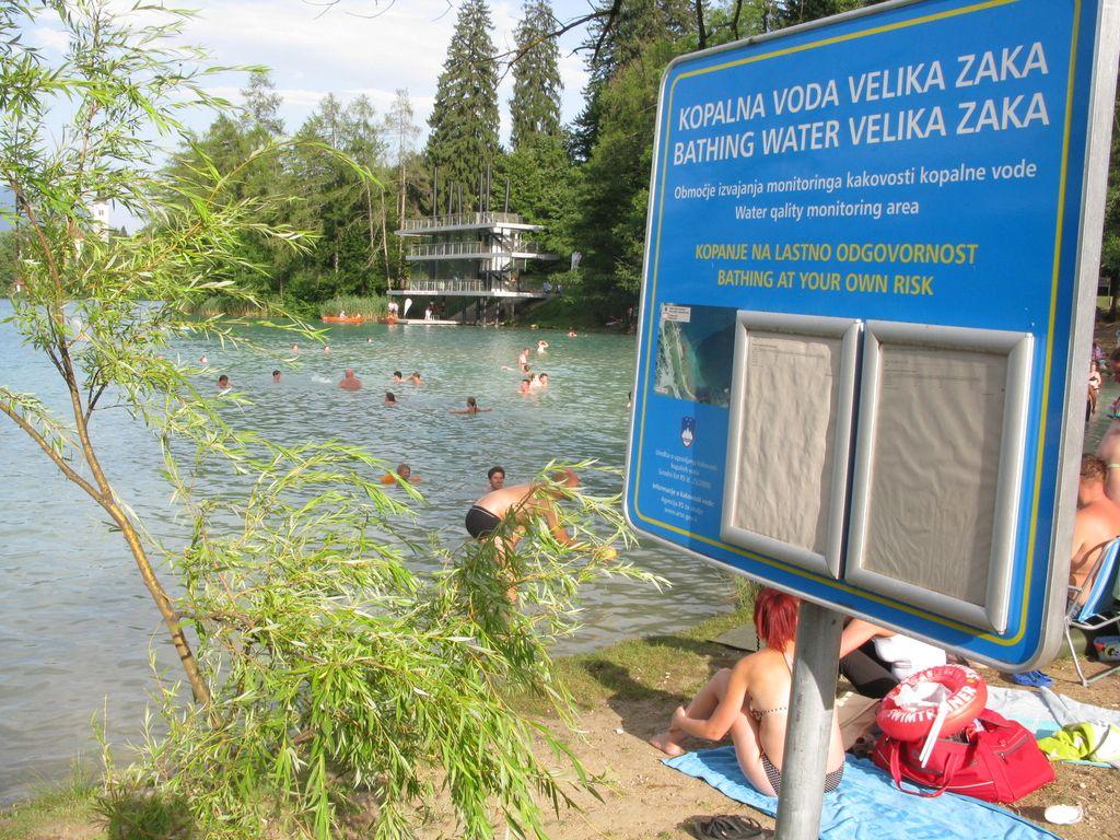 Bled: reševalec iz vode le v Grajskem kopališču