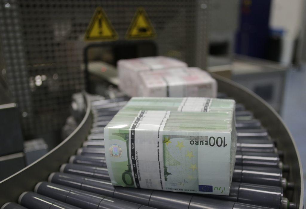 Proračun marca z 180 milijoni evrov primanjkljaja