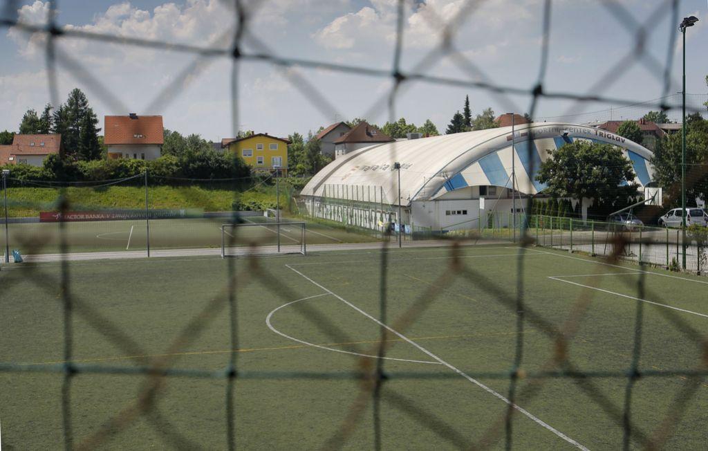 Šotora v športnem centru Jama letos ne bo