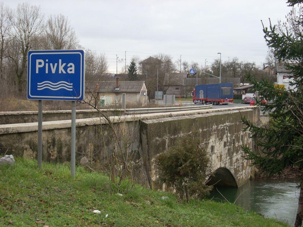 Slabo načrtovanje vzdrževanja cest in javnega prevoza