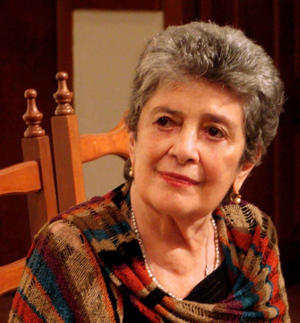 Claribel  Alegría: Lesk, močnejši, kot ga zmore narava