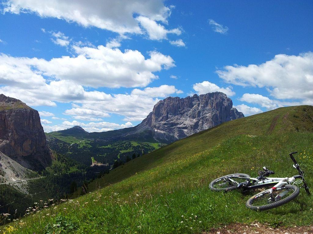 Opoldansko vprašanje: »pregon« gorskih kolesarjev?