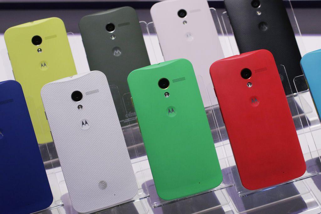Google prodaja Motorolo Lenovu in sklepa partnerstvo s Samsungom