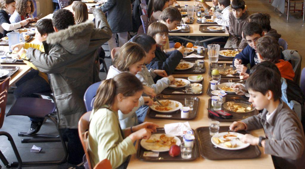 Alarm pri kosilu ožigosa lačne otroke