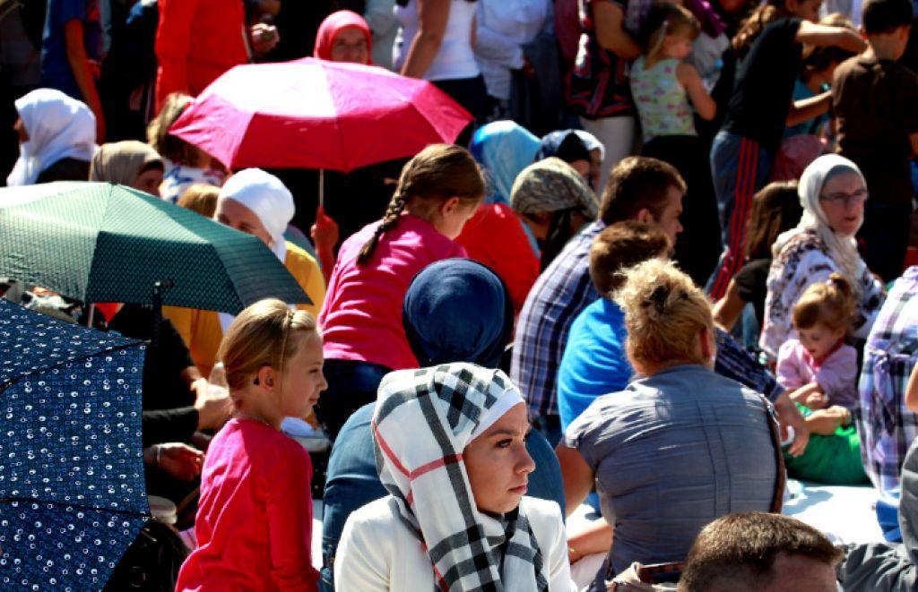 Biti pokrita muslimanka v Sloveniji