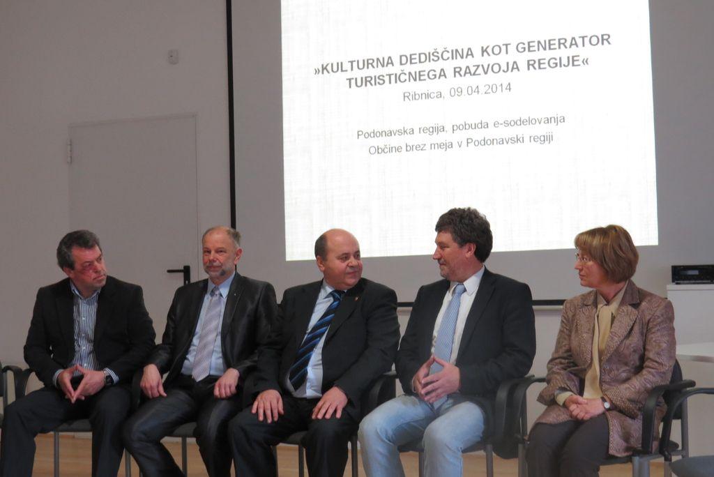 Ribnica in Škofja Loka se projektno povezujeta s sosednjimi državami