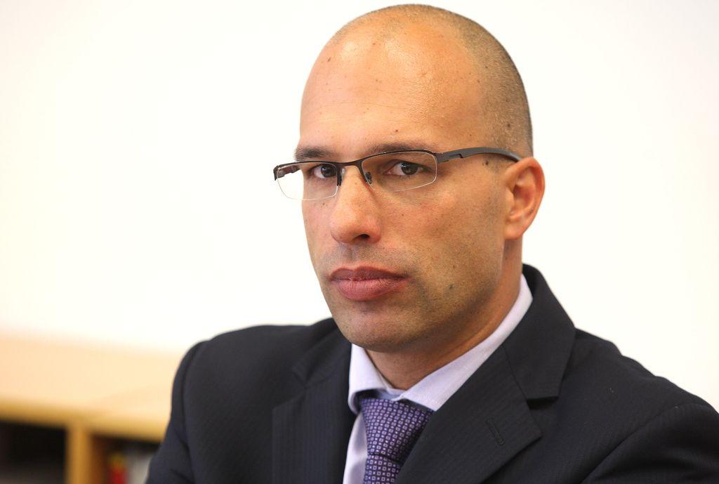 KPK: Zaposlitev Praprotnika v NLB ni bila v celoti transparentna