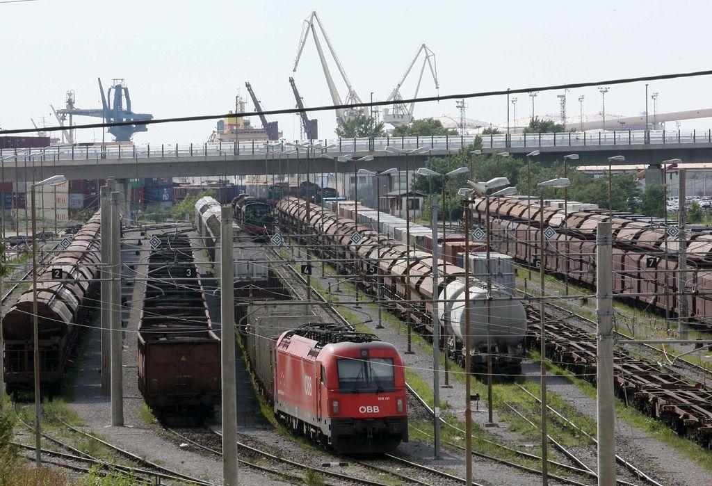 Nezgrajeni železniški tir je najdražji