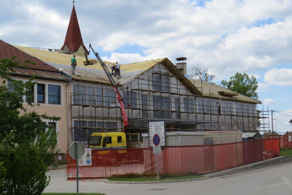 Občina za obnovo pogorele šole čaka denar države
