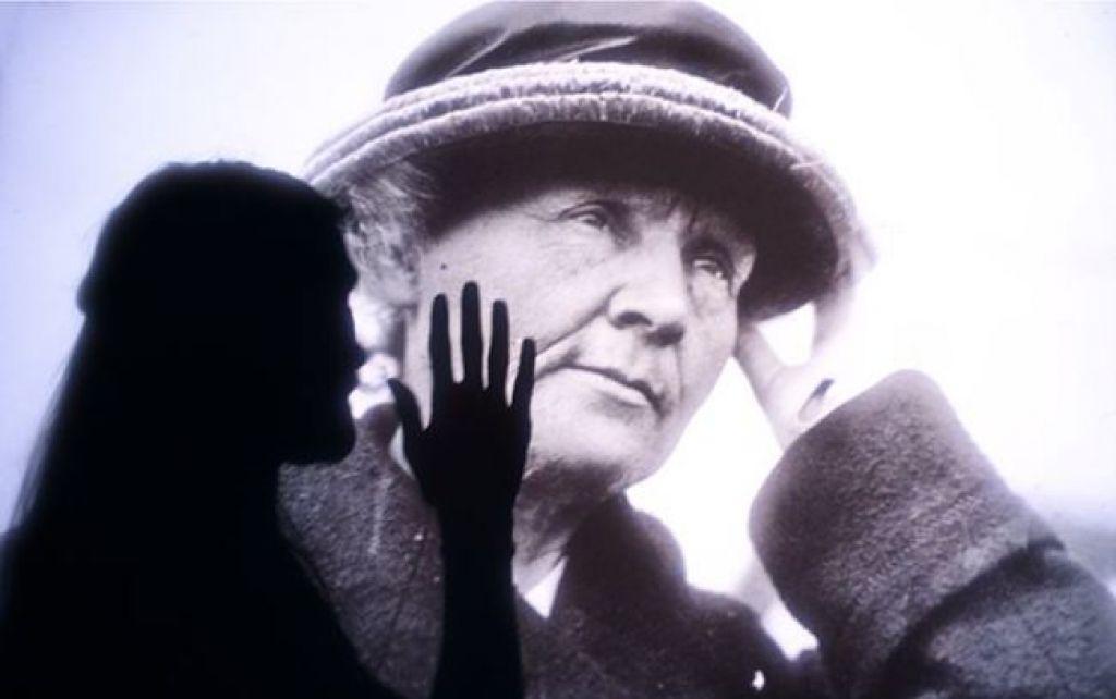 Ocenjujemo: Marie Curie– Hystérie