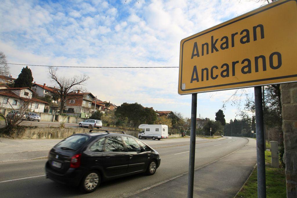 Poslanci: Ustanovitev občine Ankaran je protiustavna