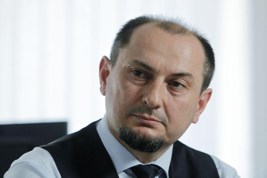 Gašpar Gašpar Mišič dolžan 1,3 milijona Kraškemu zidarju