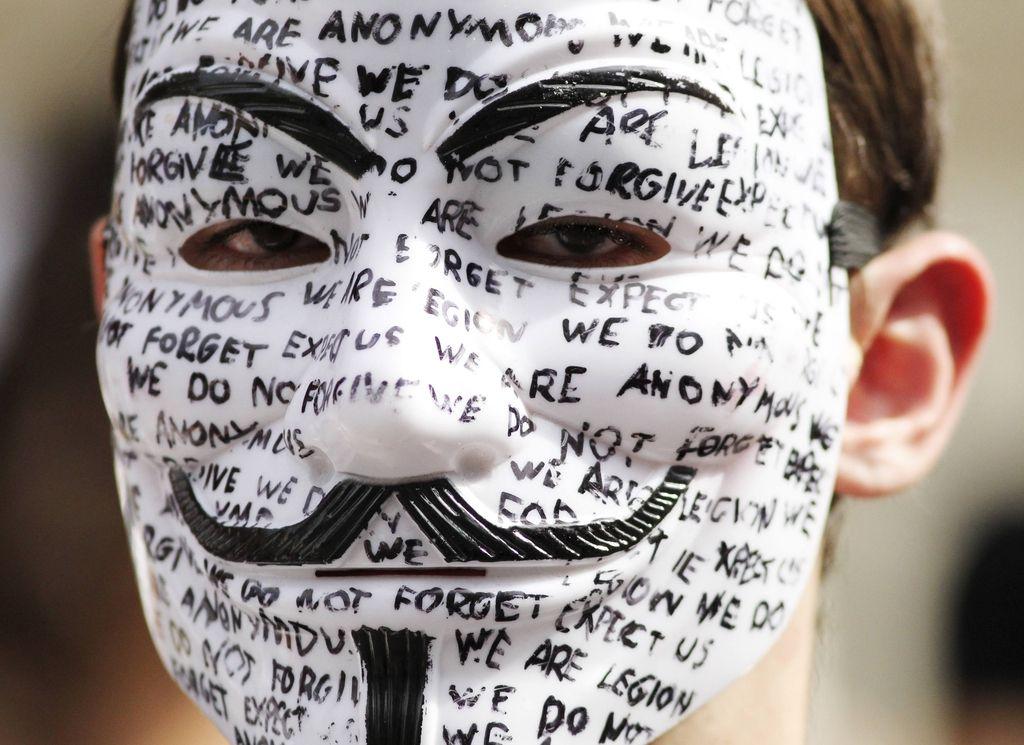 Bi podelili azil Snowdnu in Assangeu?