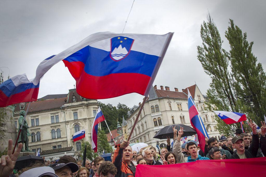 Ali bo Janez Janša obdržal poslanski mandat?