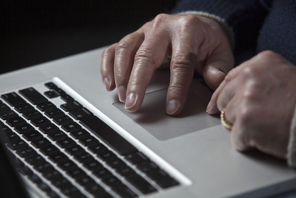 V računalniški pismenosti rahlo nadpovprečni, a le na osnovni ravni