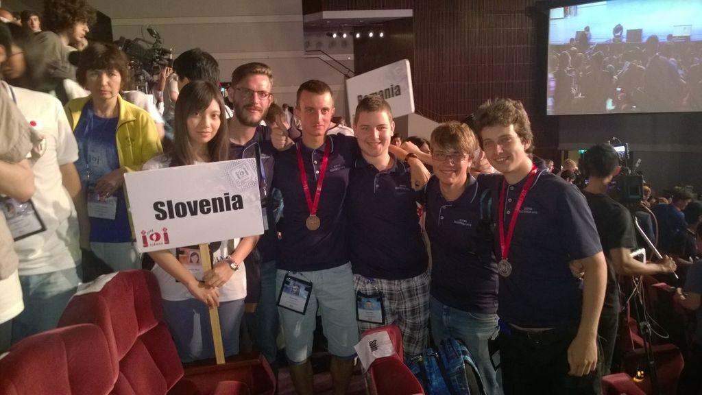 Slovenski dijaki odlični na olimpijadah iz znanja